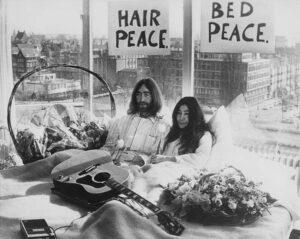 John Lennon ve Yoko Protestosu